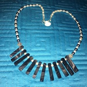 Jewelry - Faux pearl and stone necklace